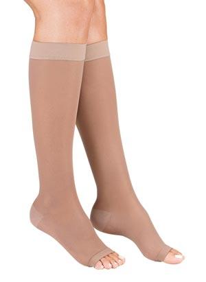 رفع خستگی پا با جوراب